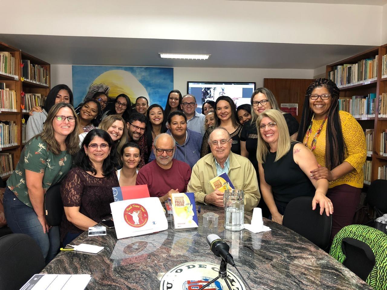 Alunas de Pedagogia visitam Instituto Paulo Freire